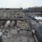 Mexiko City Zentrum, der Templo Mayor, von einem Café auf einer benachbarten Dachterrasse aus gesehen.