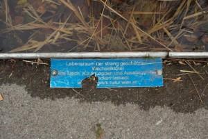 Hinweisschild im Rudolf-Bednar-Park