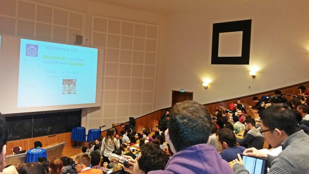 Großer Andrang am ersten Tag des Schwedisch Kurses auf der Uni.