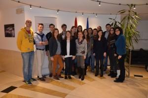 Gruppenfoto aller TeilnehmerInnen bei der Ständigen Vertretung Österreichs