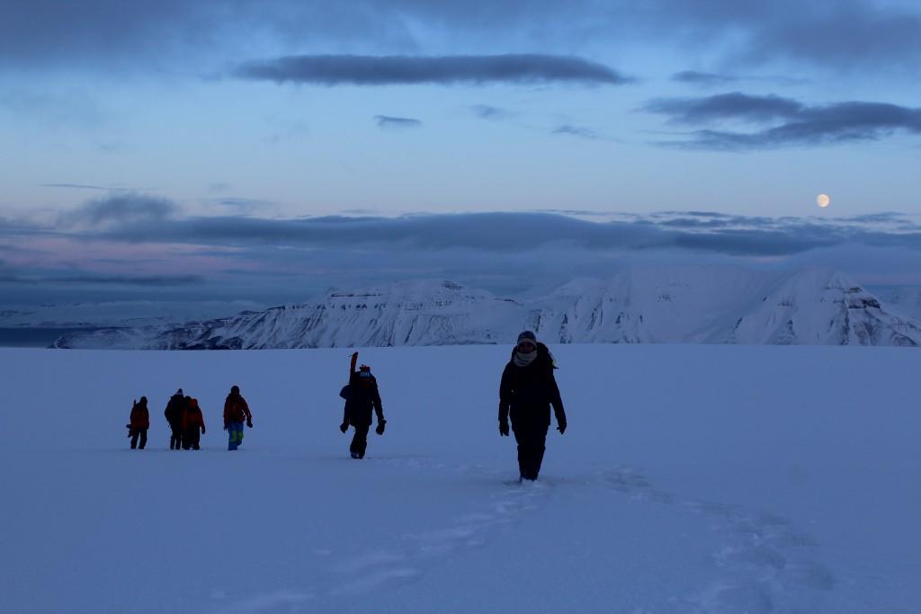 Eine der zahlreichen Wanderungen an den Wochenenden. Hier gegen Ende der Polarnacht.