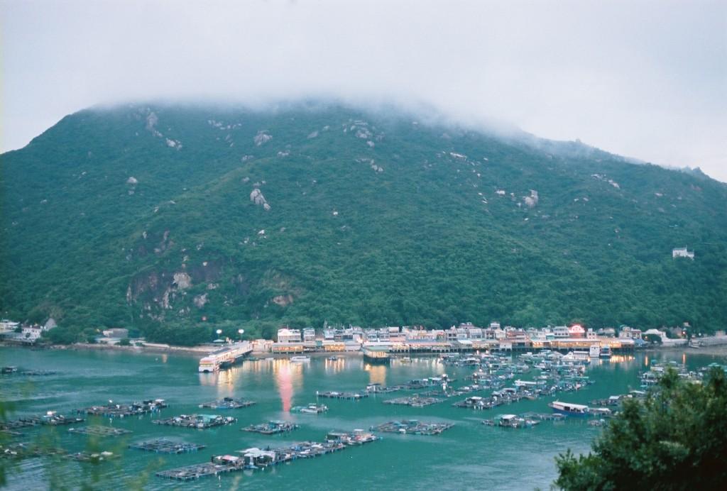 Sok Wu Wan, ein kleiner Fischerhafen in Lamma Island, eine beliebte Insel von Expats