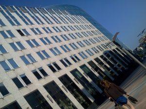 Ein Gebäude des Europaparlaments in Brüssel (©Julia Lindsey)