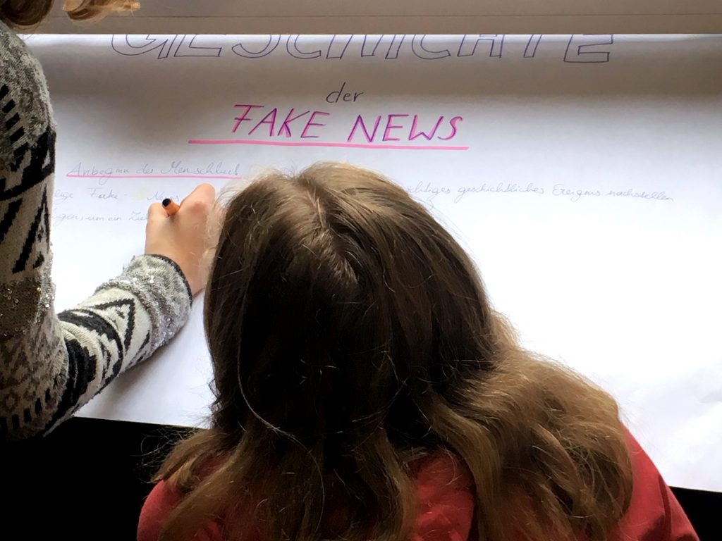 SchülerInnen thematisieren im Unterricht Fake News